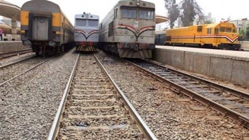 """السكة الحديد:  إقتحام «توك توك» للقضبان هو المتسبب في تأخر قطار"""" الإسكندرية-الفيوم"""" 1"""