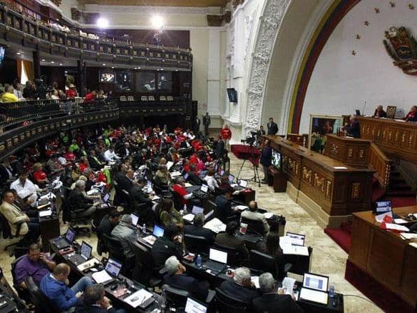 الرئيس الفنزويلي :أعلنت الطوارئ بسبب الوضع المفجع في البلاد 1